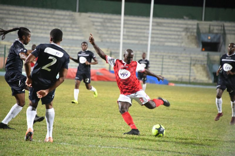 Coupe VYV, demi-finales aller : Amical - Phare (0-3), USBM - CSM (0-2)